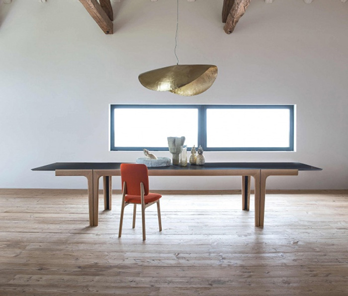 Amalong dining table